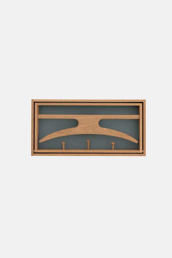 Dansk træ knagerække, The Hanger, grå og blå