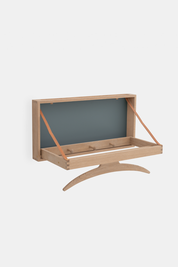 Klassisk knagerække i træ, dansk design, sæbebehandlet eg