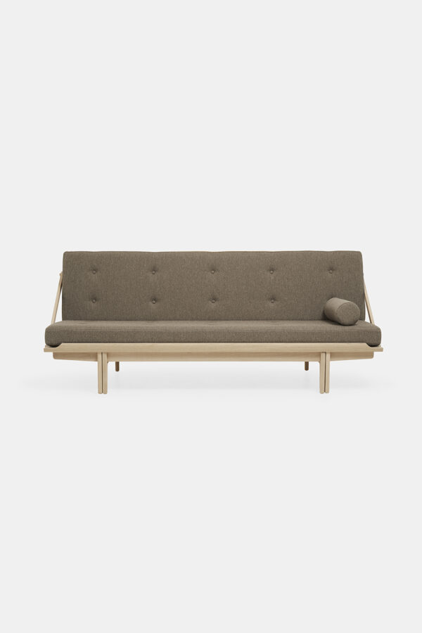 Daybed_soaped_oak