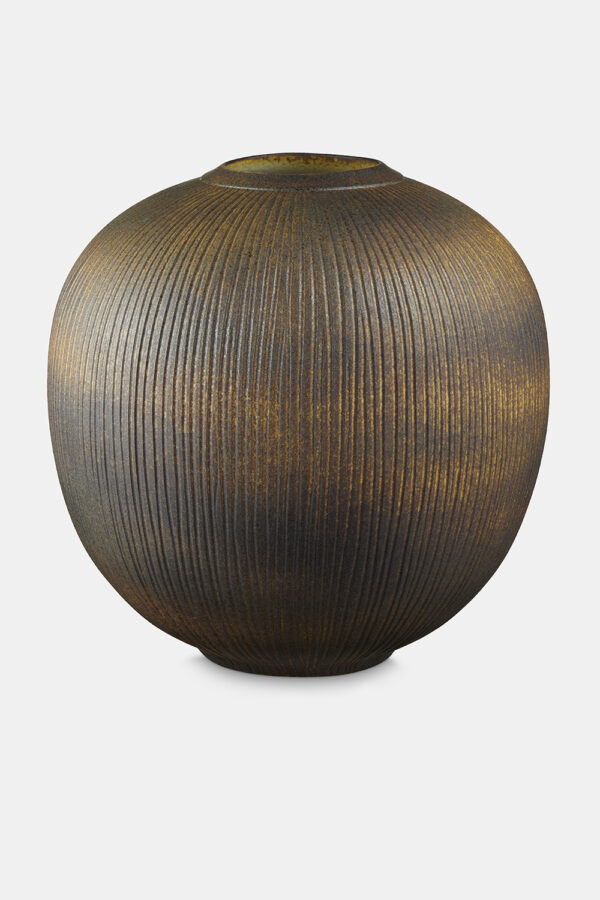 Large_earth_vase